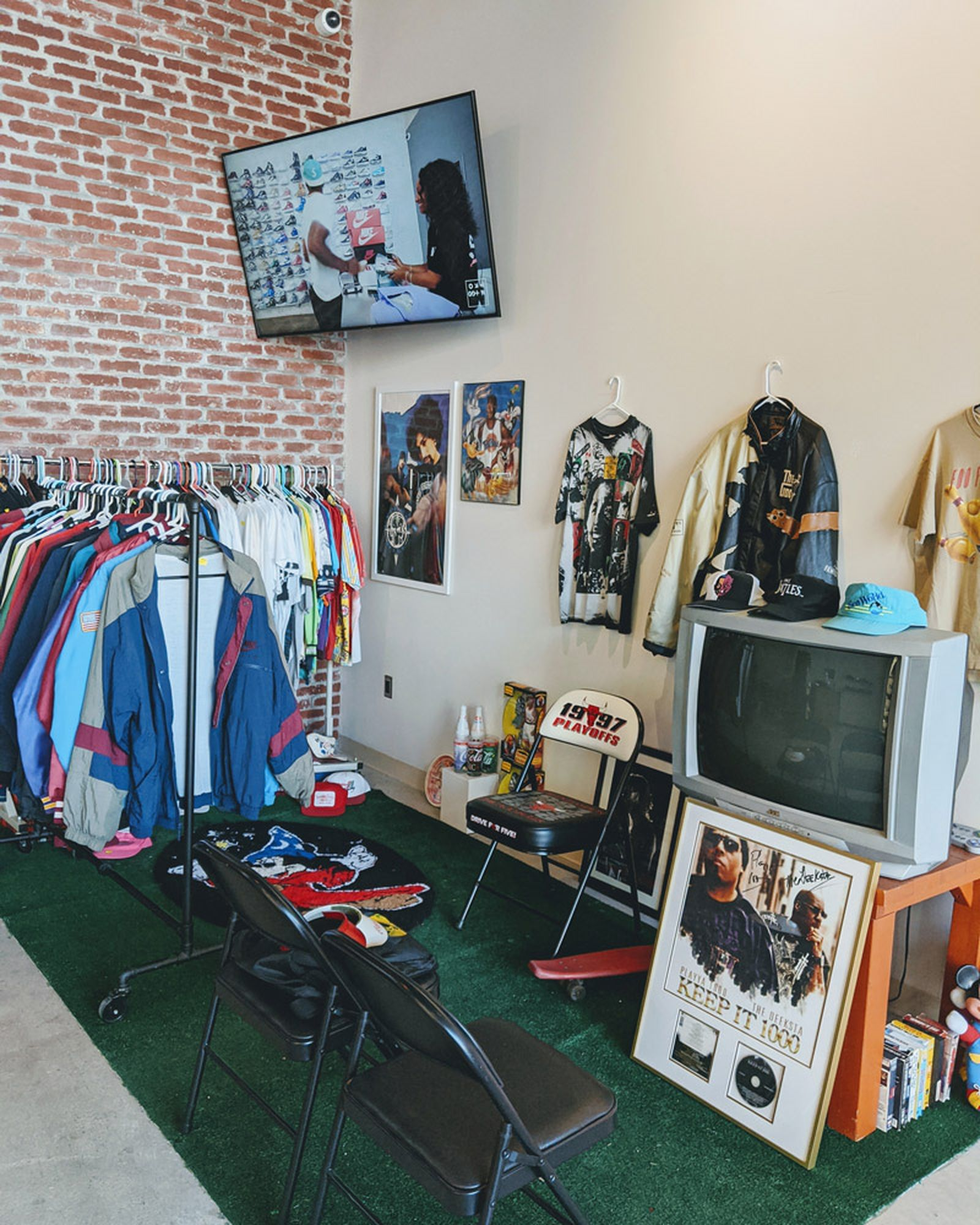 women-owned-sneaker-stores-07