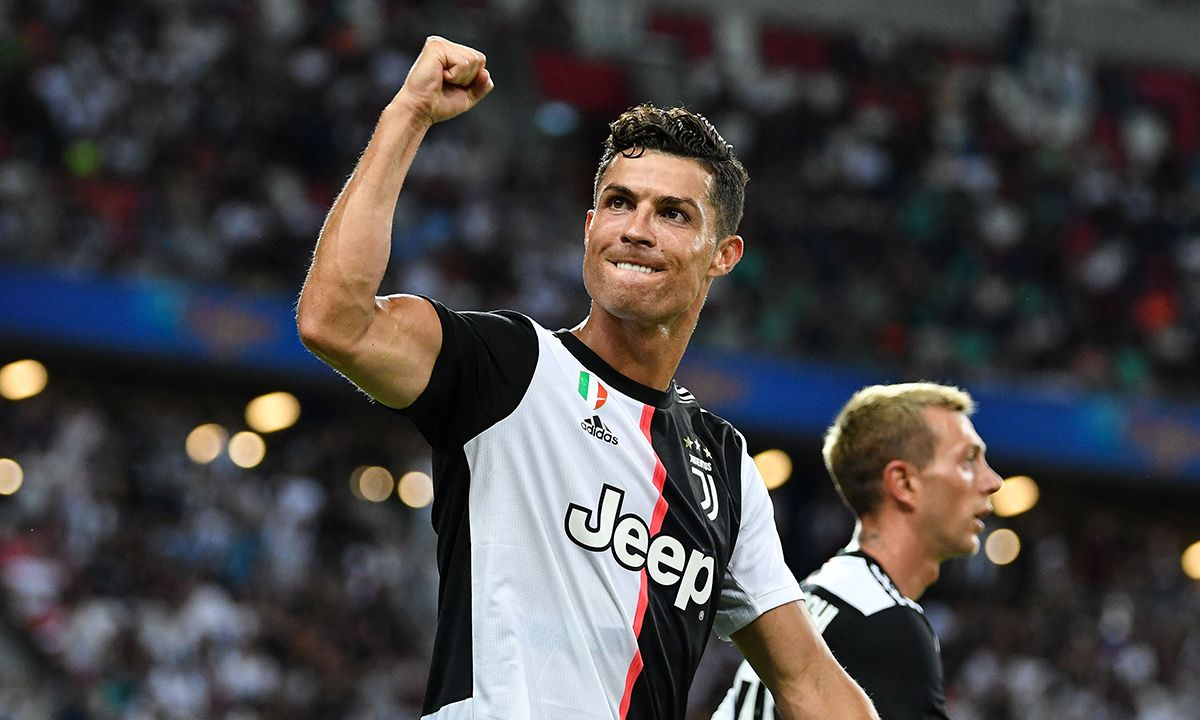 Cristiano Ronaldo Could Reach $1 Billion Career Earnings This Year