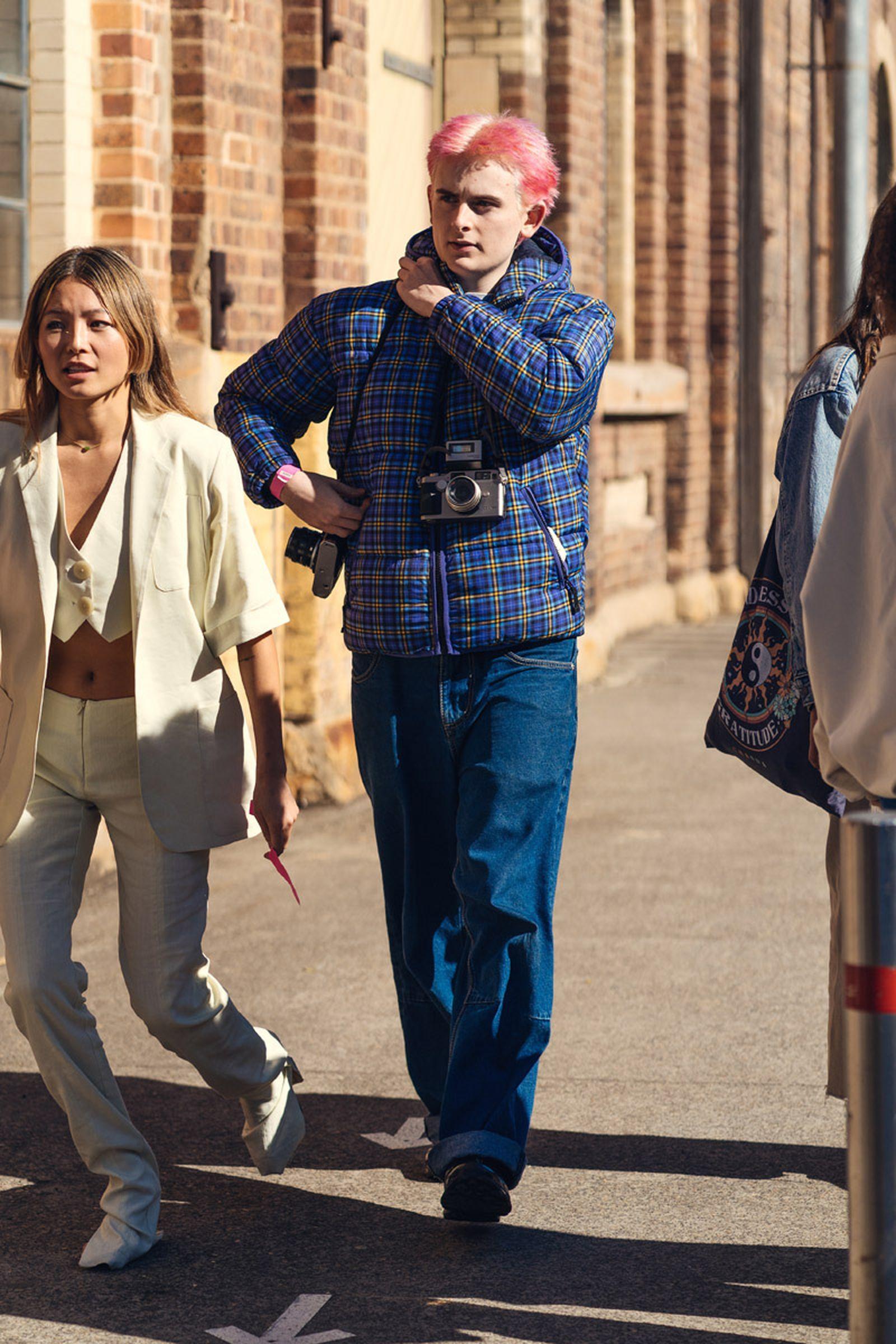 australian-fashion-week-2021-street-style-05