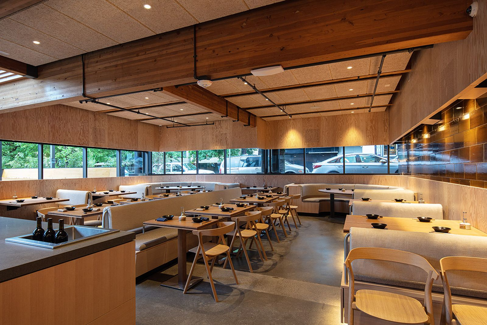 snow-peaks-first-ever-restaurant-looks-as-good-as-it-tastes-014