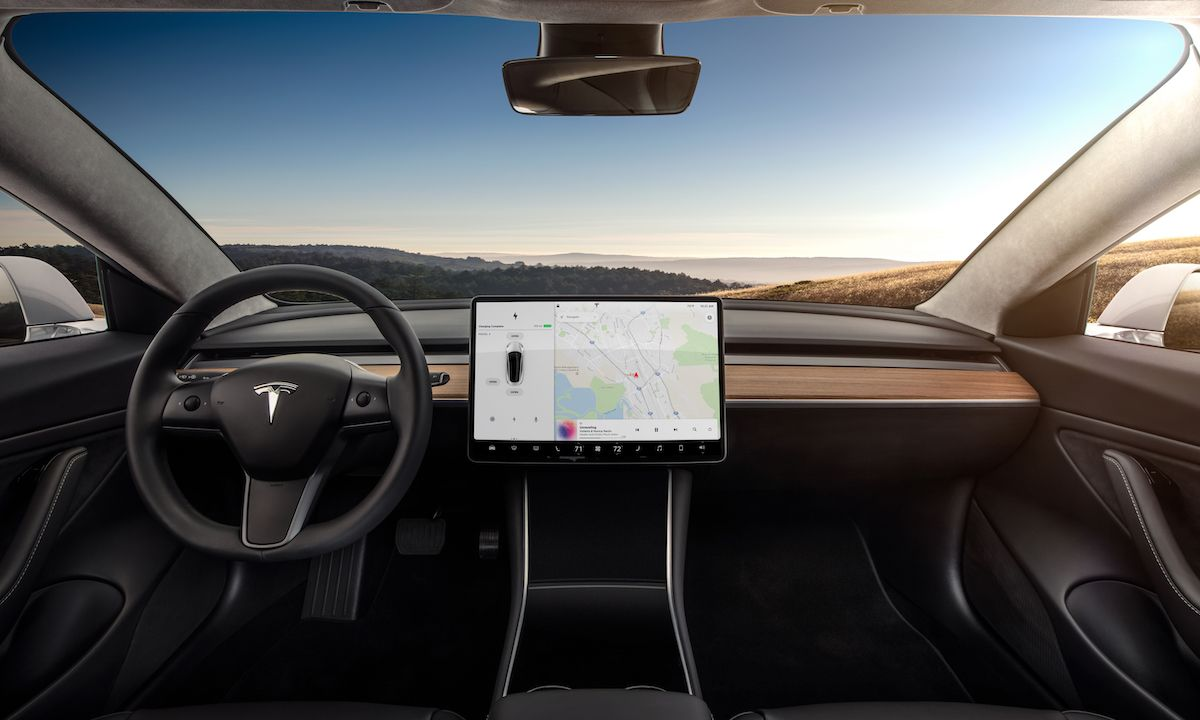 Elon Musk Says Netflix Is Coming to Tesla's Entertainment System