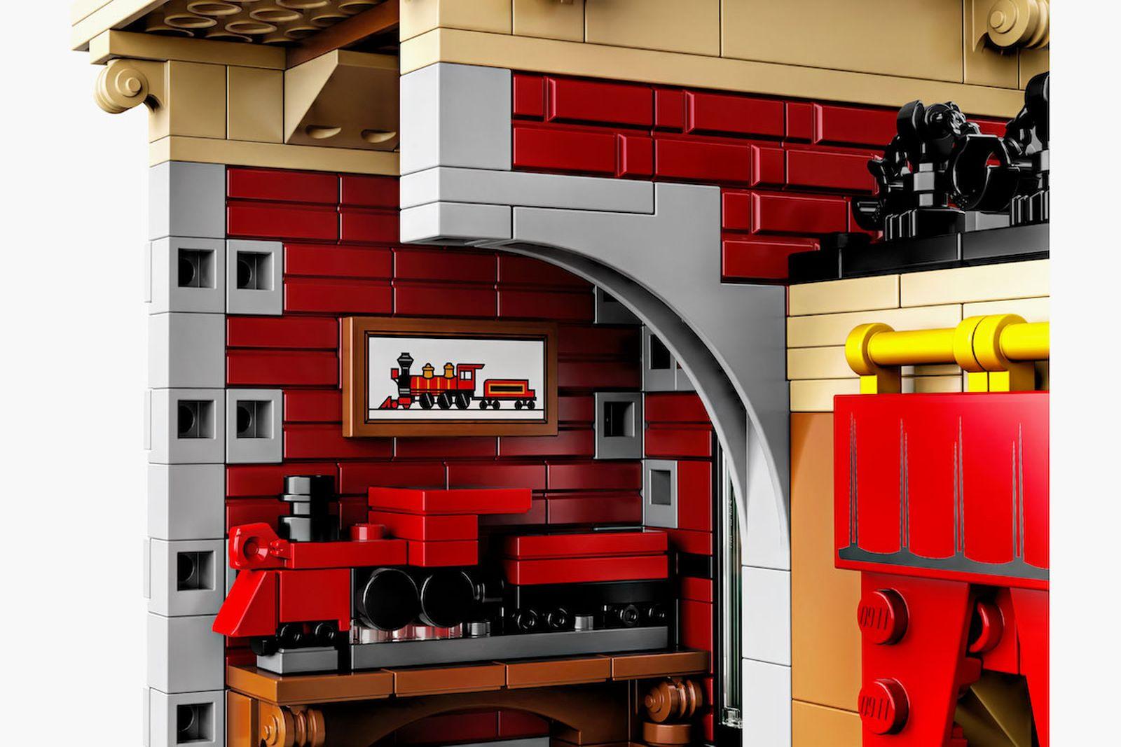 lego disney train station set disneyland