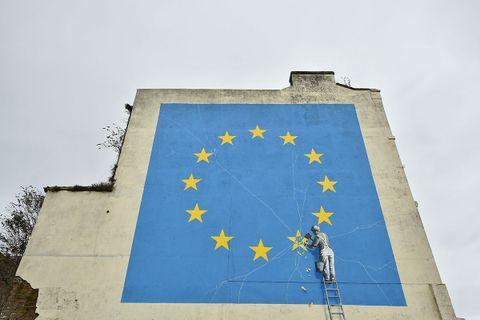 banksy eu flag removed