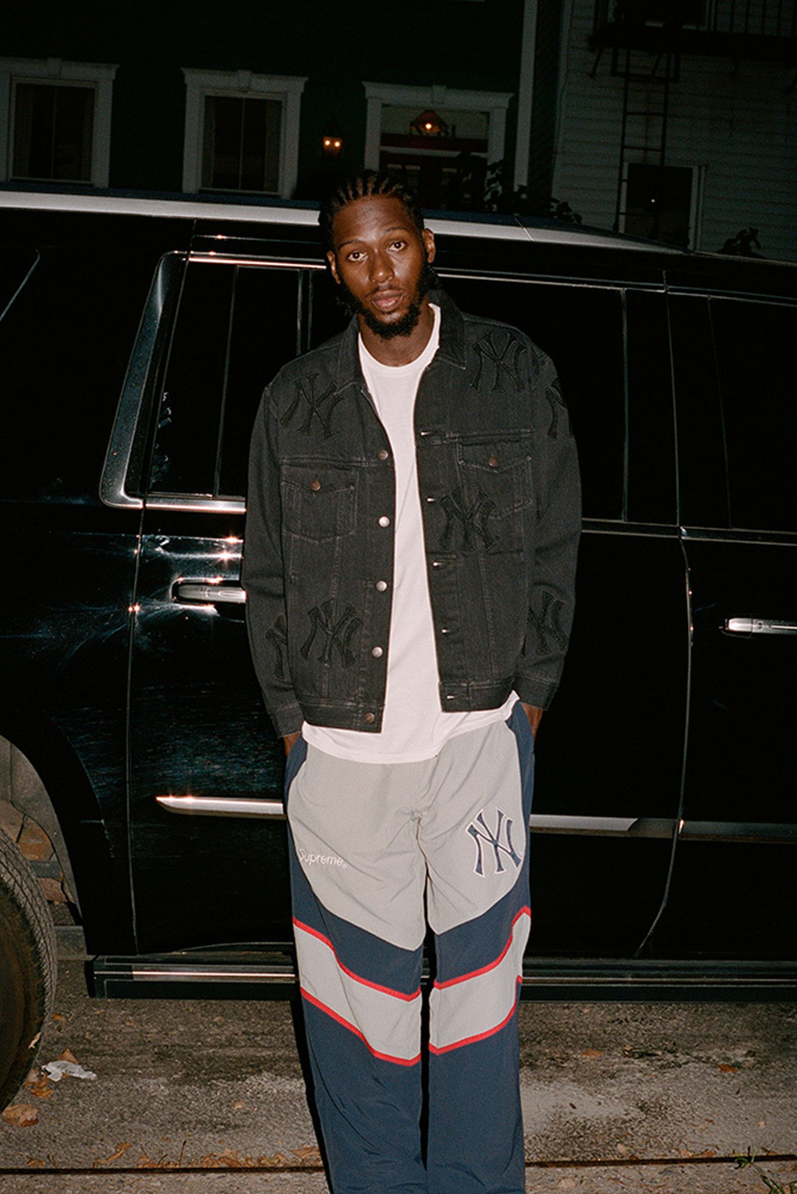 supreme-new-york-yankees-fw21-collection-lb-8