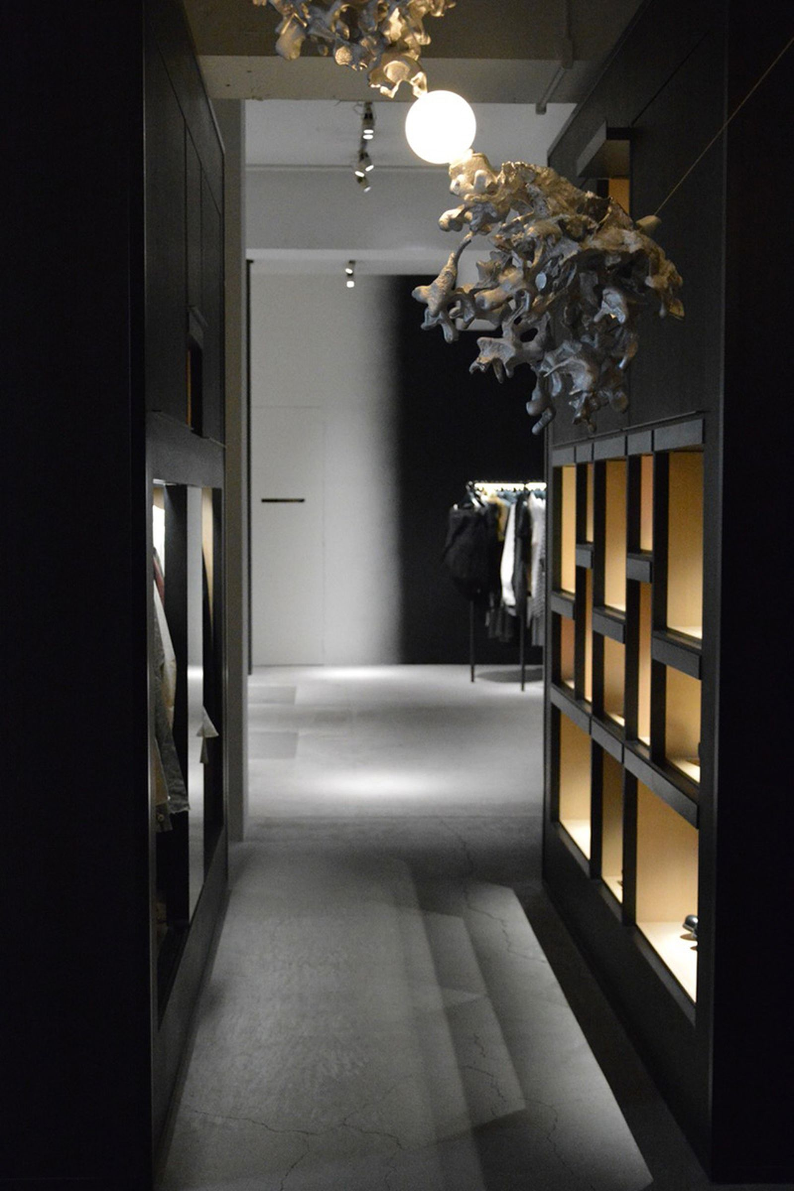 game-changers-best-store-interiors-changed-fashion-life-etage-01