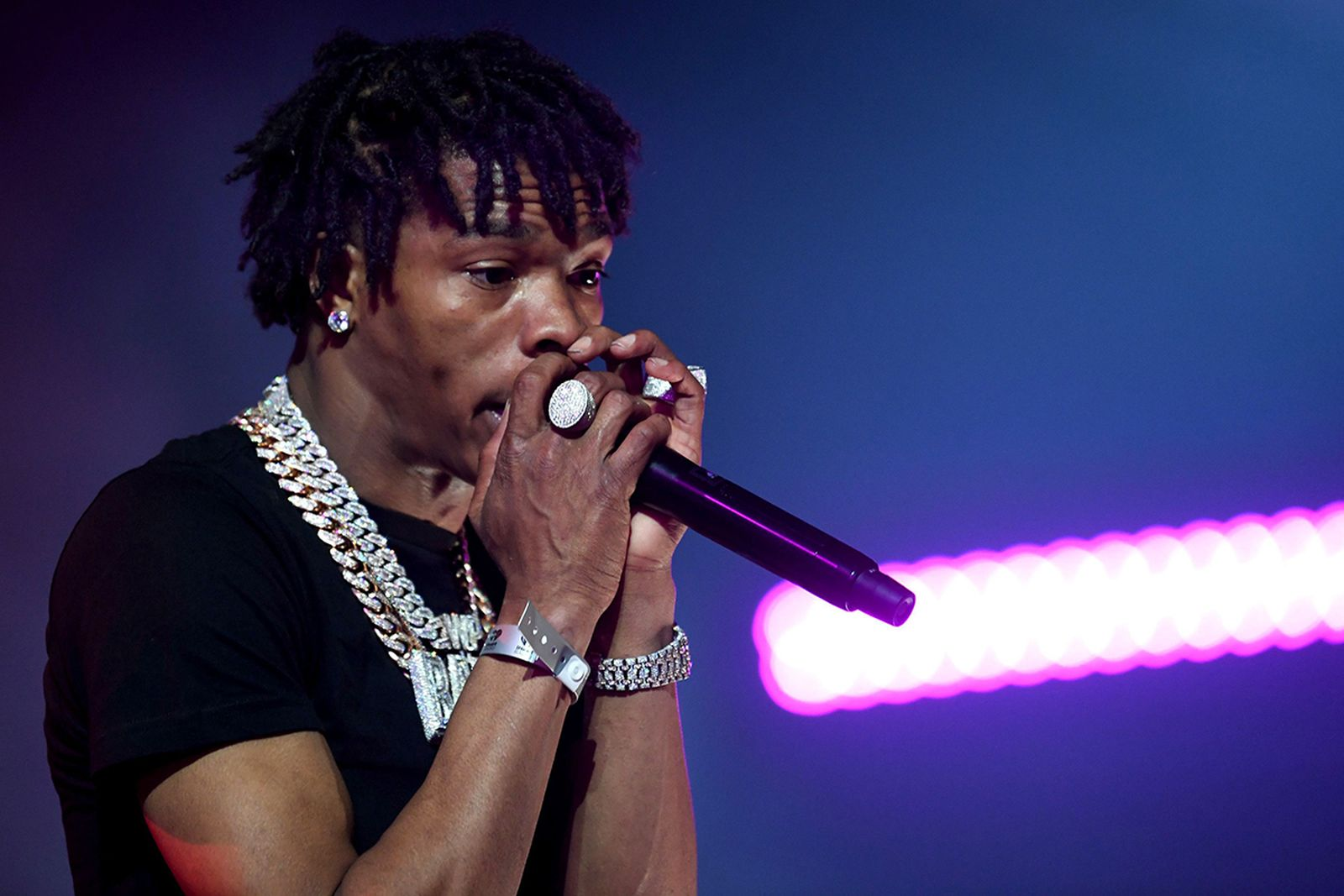 Lil Baby performing