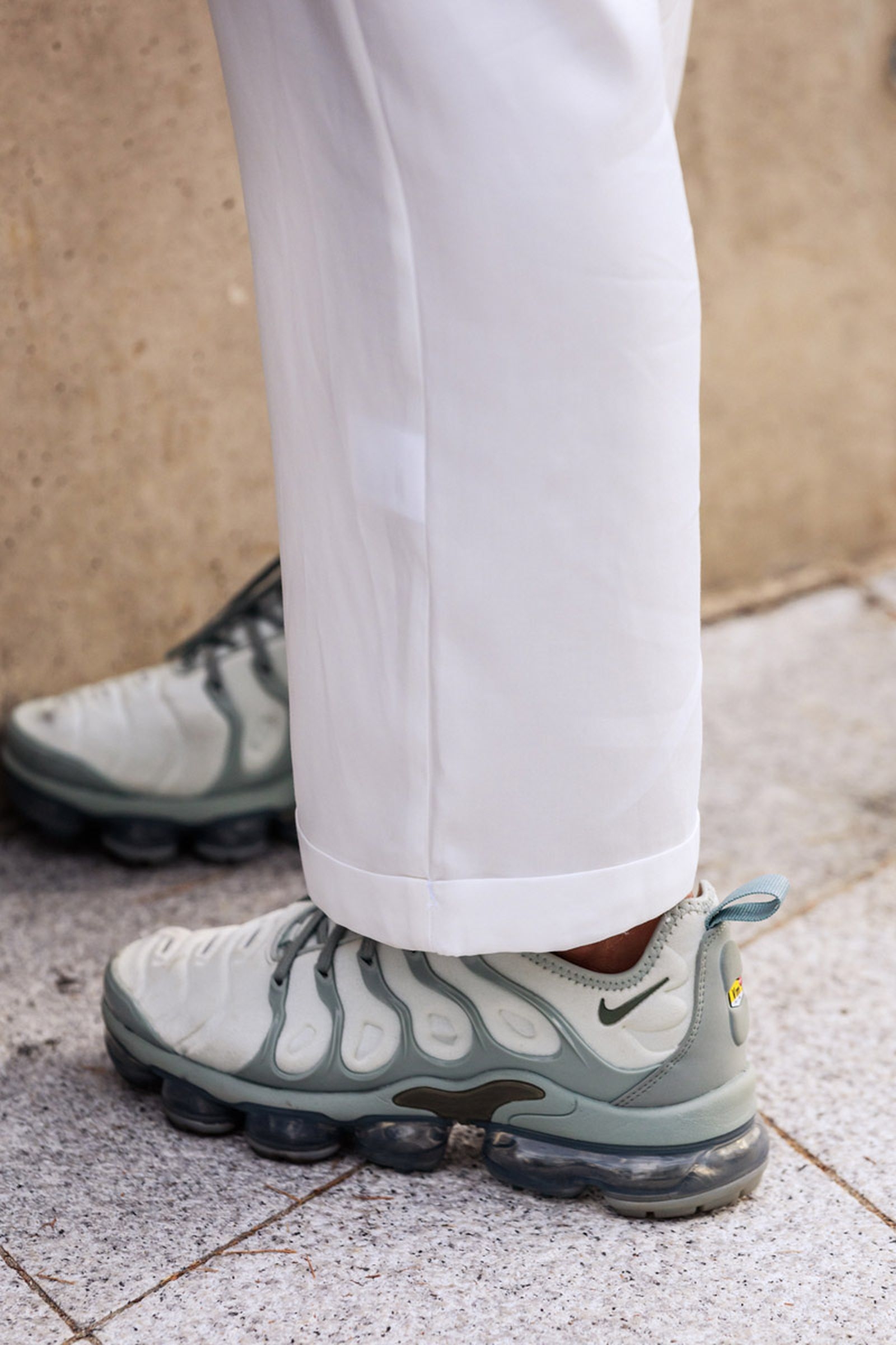 seoul-fashion-week-sneaker-street-style-ss20-1