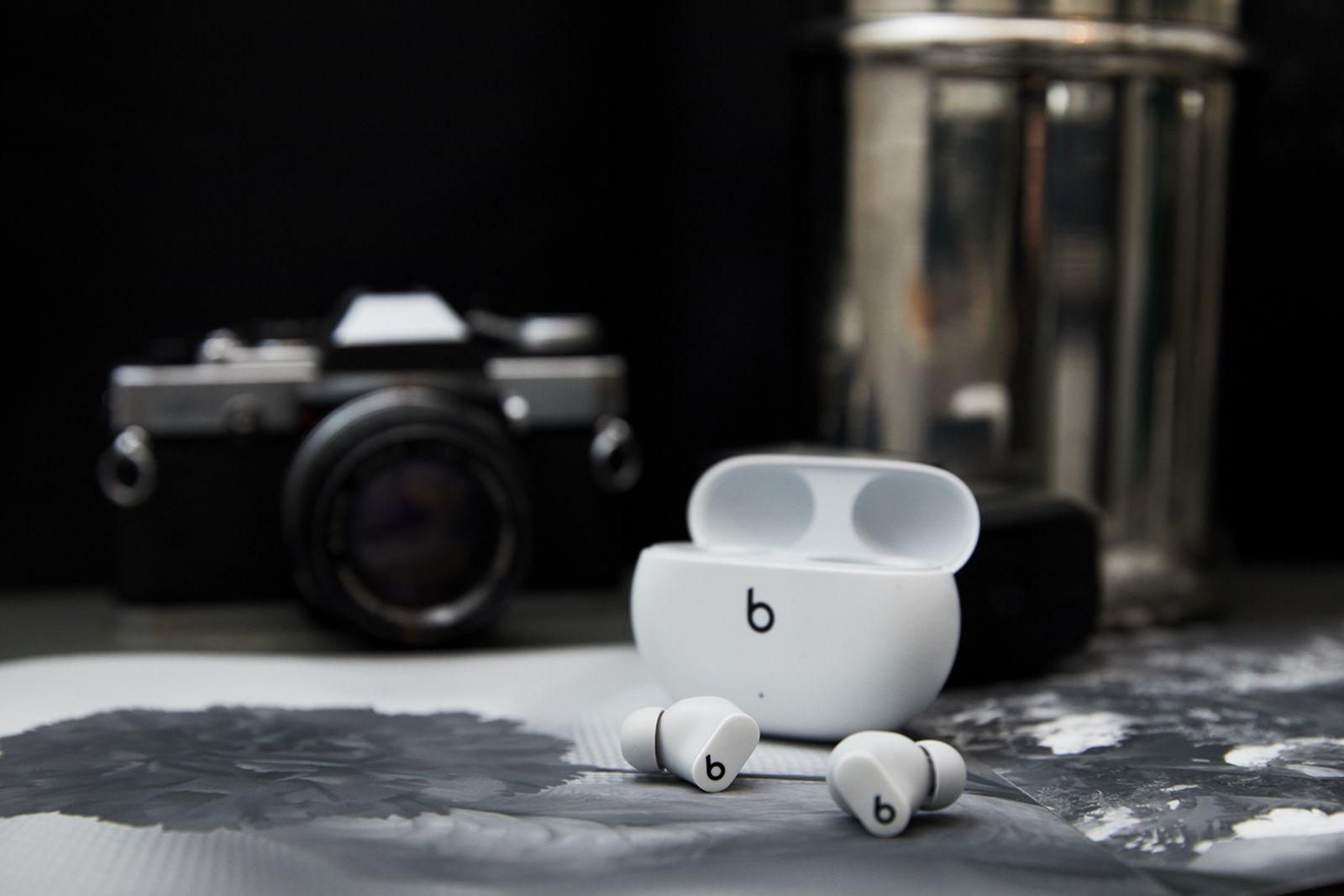 apple-beats-studio-buds- (12)