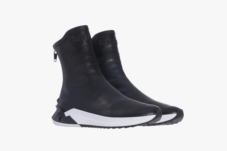 Sneaker Glove