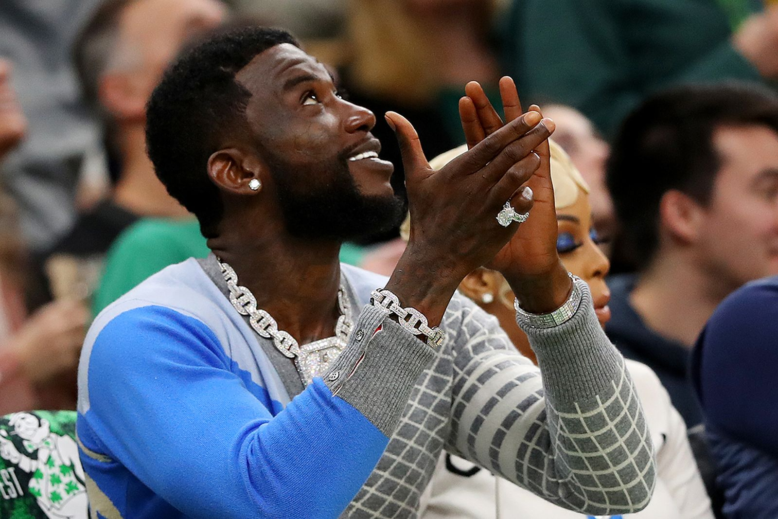 Gucci Mane clapping courtside