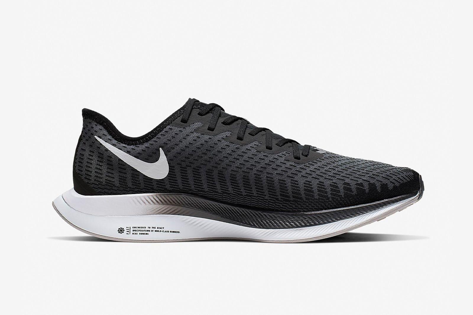 best-running-shoes-for-men-guide-salomon-nike-zoom-pegasus-turbo-2
