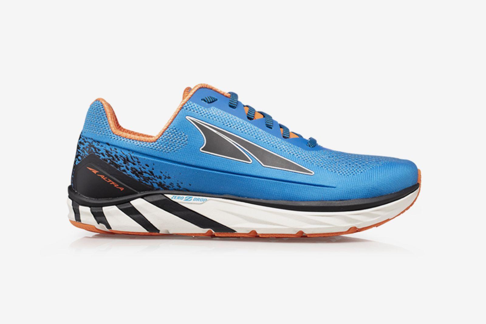 best-running-shoes-for-men-guide-altra-torin-plush