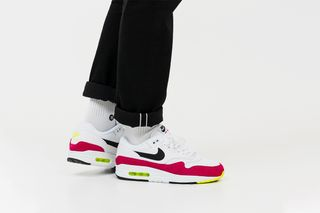 separation shoes cdffd cd788 Four Fresh New Nike Air Max 1 Colorways Are Available Now