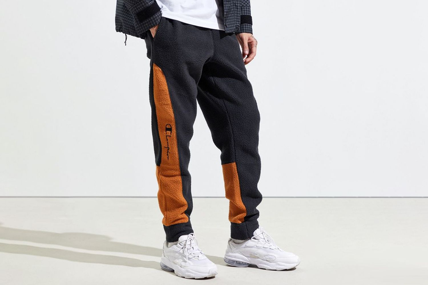 UO Exclusive Sherpa Jogger Pant