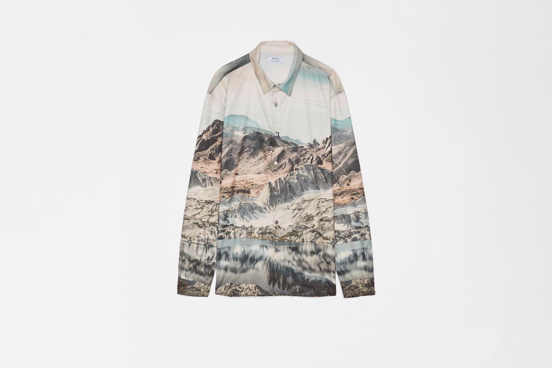 Loose Fitting Photo Print Shirt