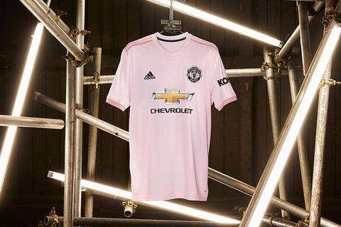 54cae32dec2 Manchester United Fans Are Split on the Team s New Pink Away Jersey