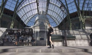 Karl Lagerfeld Pays Homage to the Streets of Paris for Chanel Haute Couture 2018
