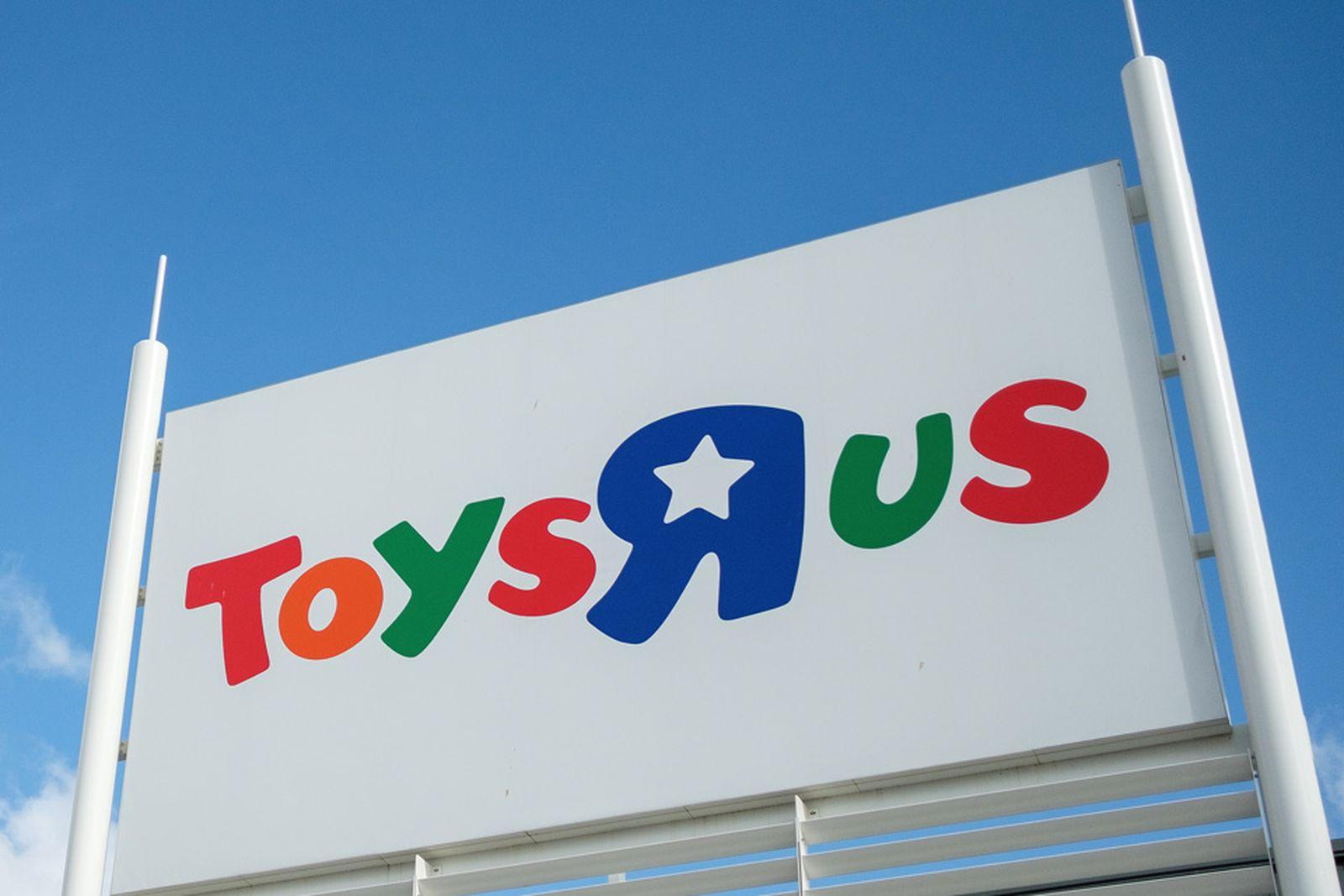 toys r us closing down announcement