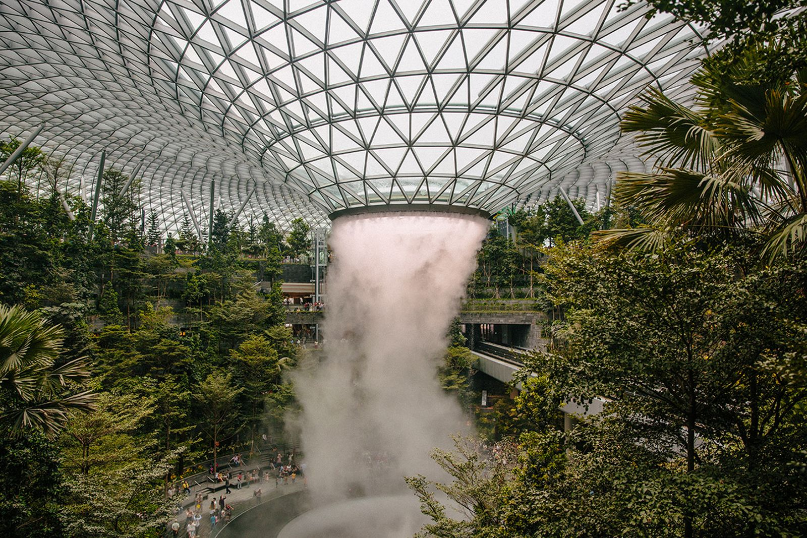 jewel changi airport indoor waterfall