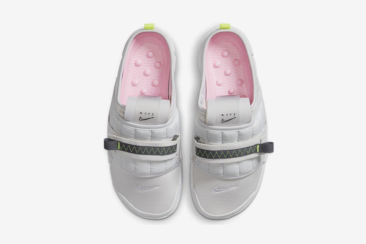 Nike Offline mule product shot