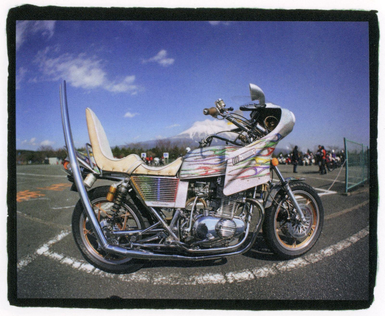 bosozoku-the-stylish-legacy-of-japans-rebel-motorcycle-gangs-7