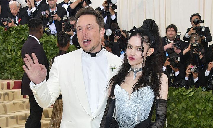 grimes and elon musk met gala red carpet
