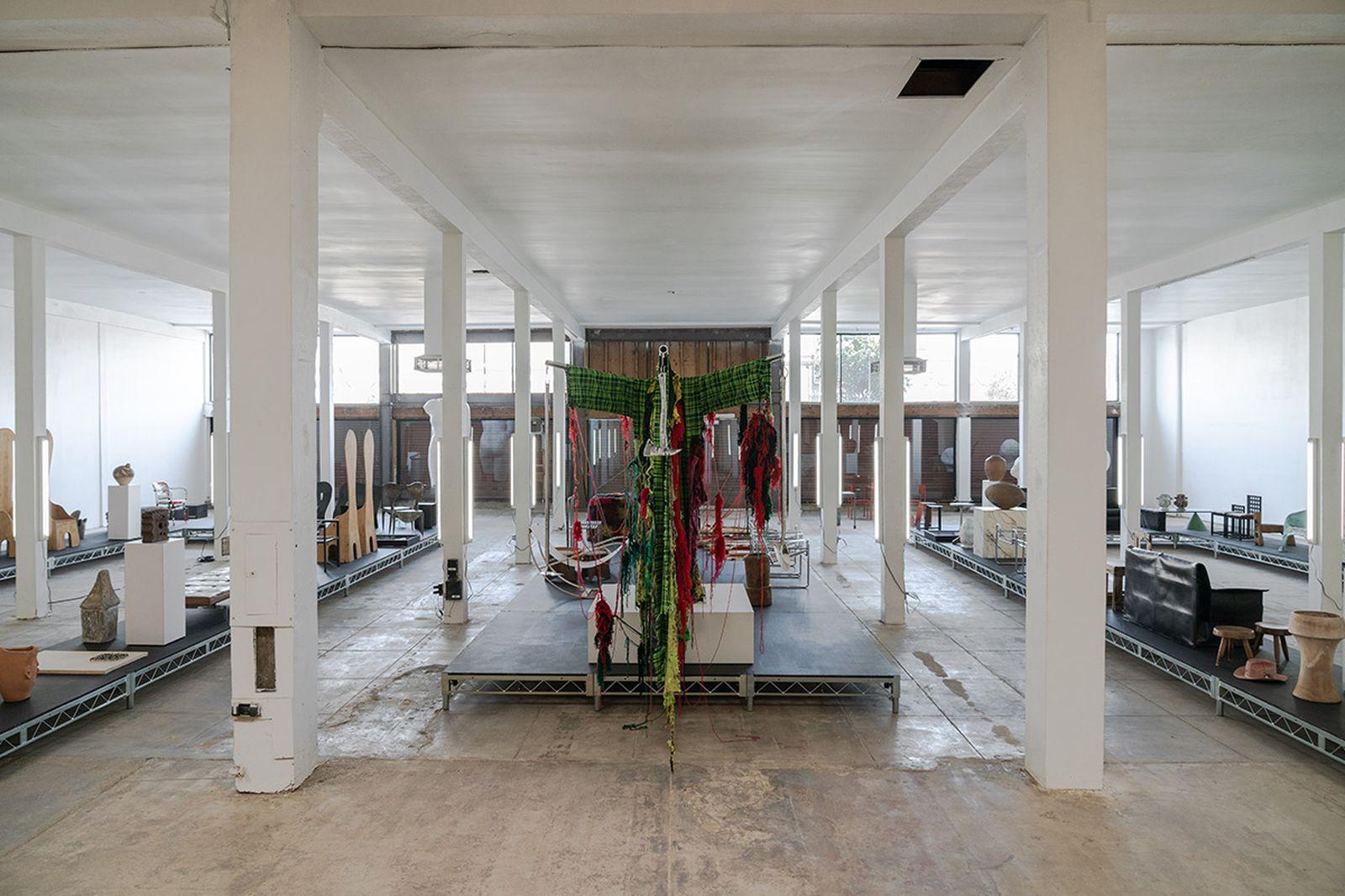 sized-los-angeles-exhibition-luka-sabbat-03