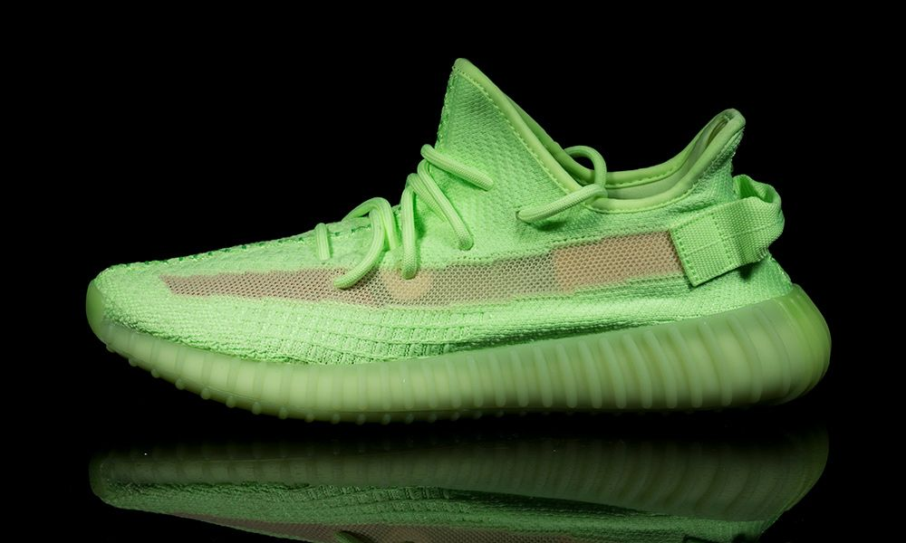 "bc20e3158 adidas Originals YEEZY Boost 350 V2 ""Glow in the Dark""  Pics Leak"