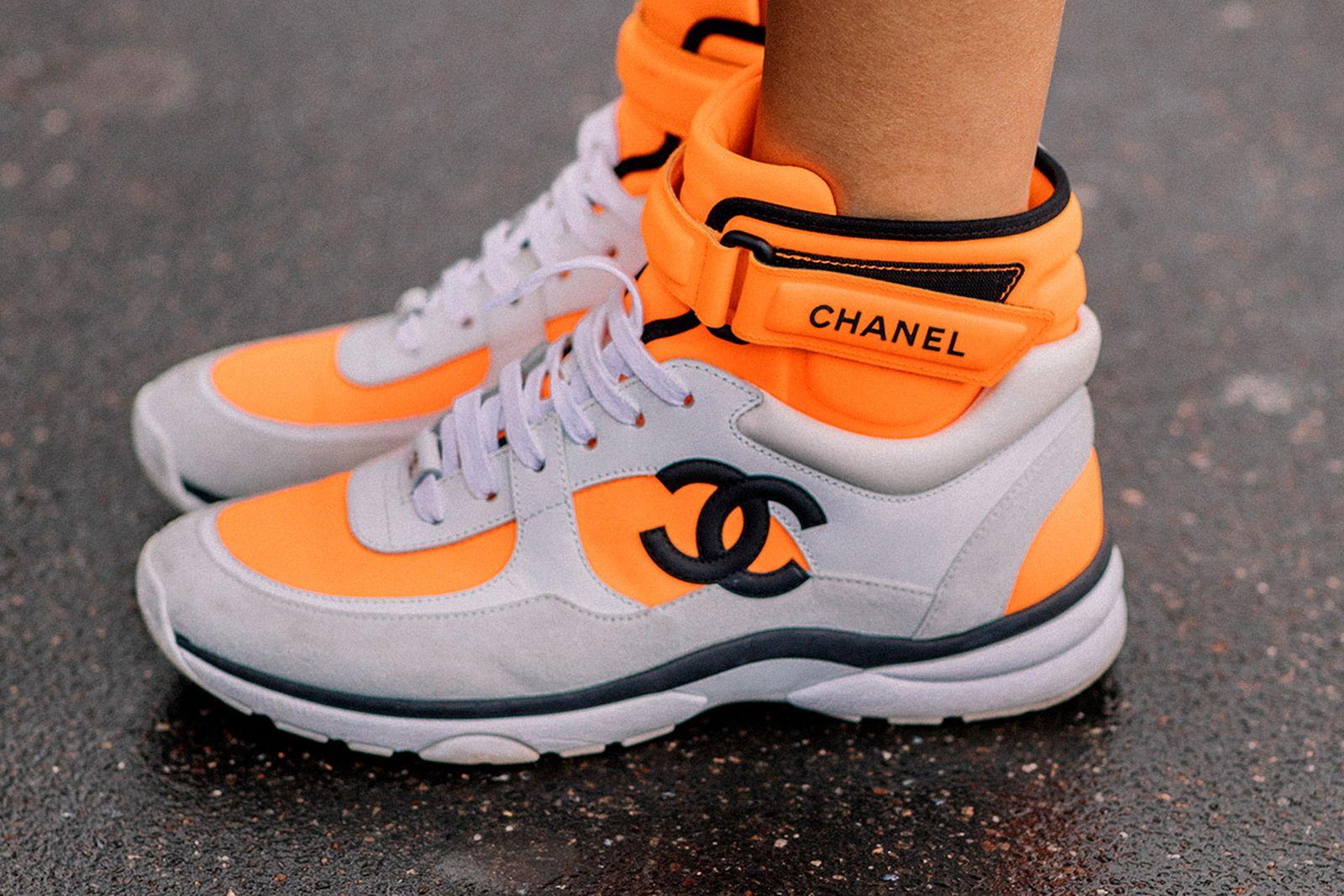 chanel-logo-sneaker-main