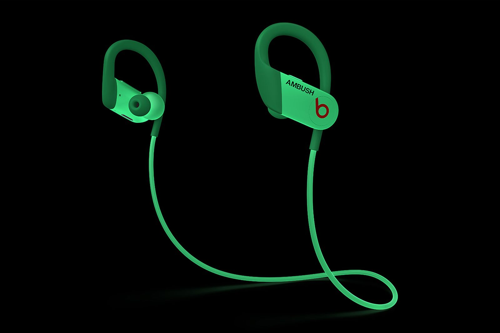 beats-ambush-glow-in-the-dark-powerbeats-05
