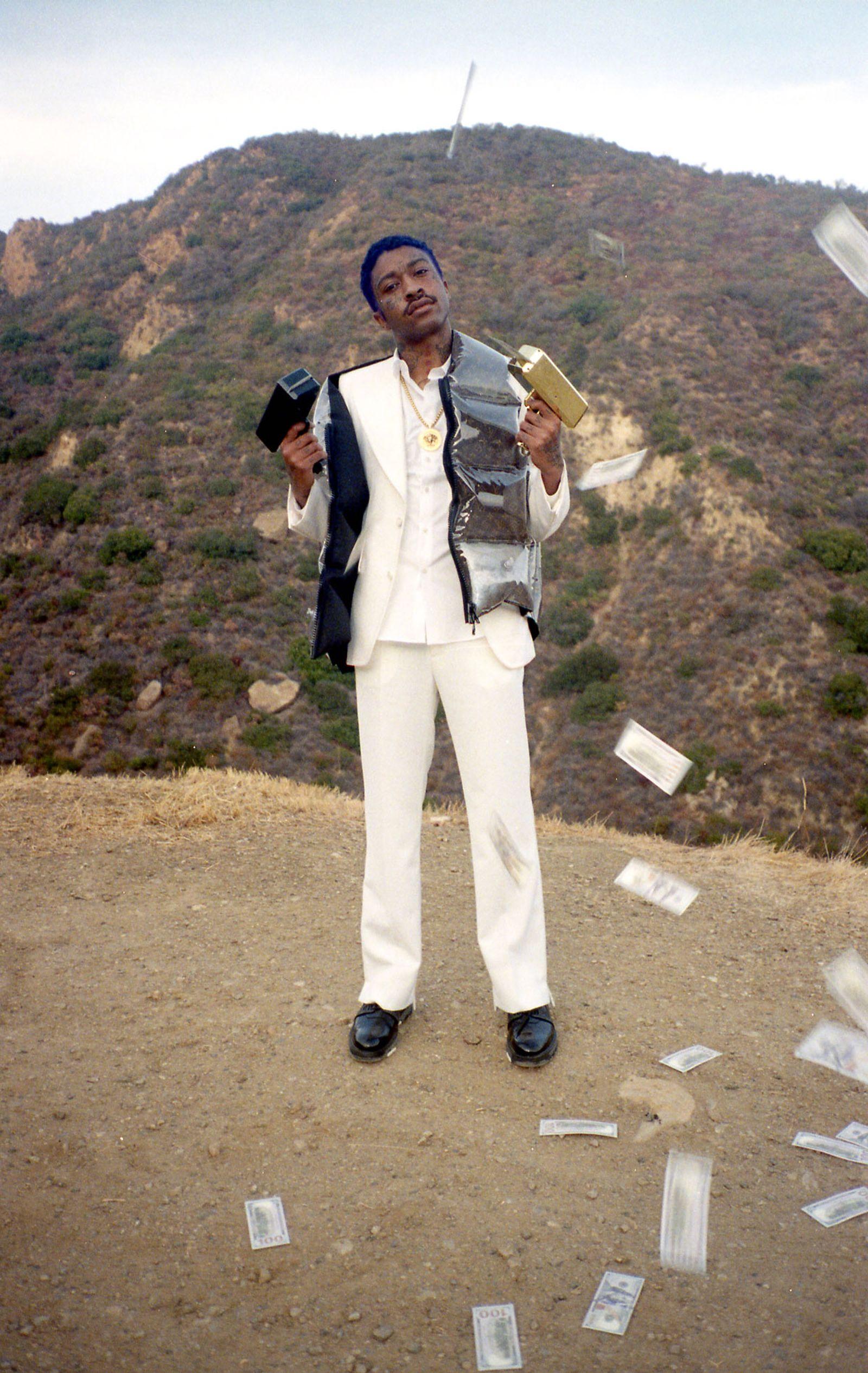 Shirt, Suit, Vest & Shoes LOUIS VUITTON Necklace VERSACE