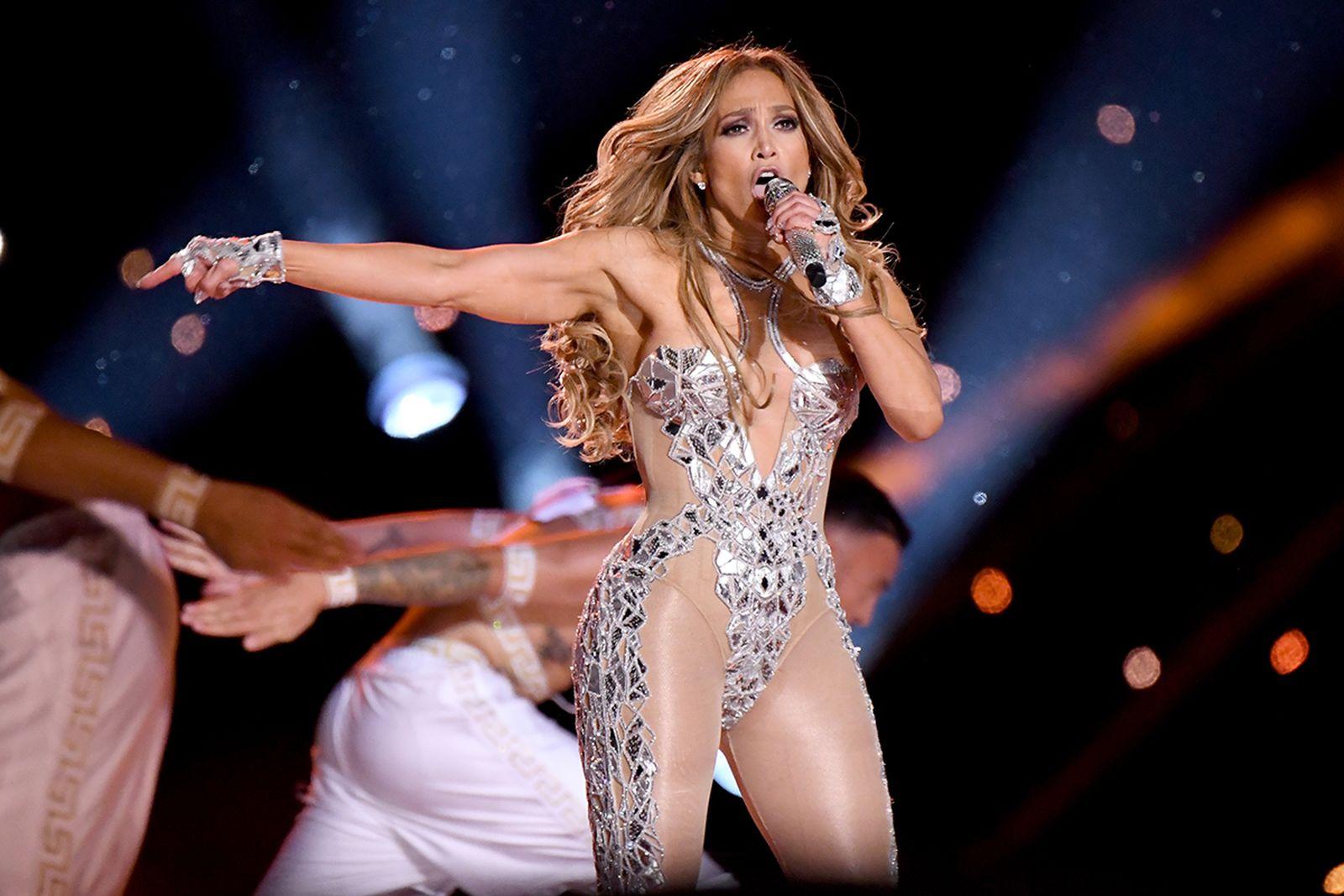 Jennifer Lopez Super Bowl LIV halftime perfromance