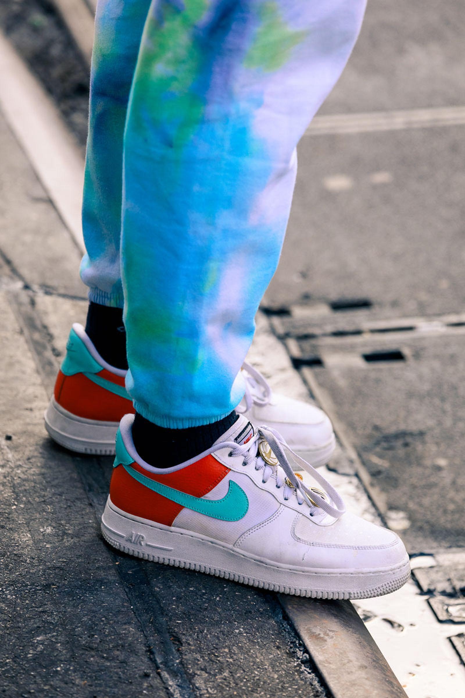 new-york-fashion-week-mens-fw20-sneaker-street-style-14