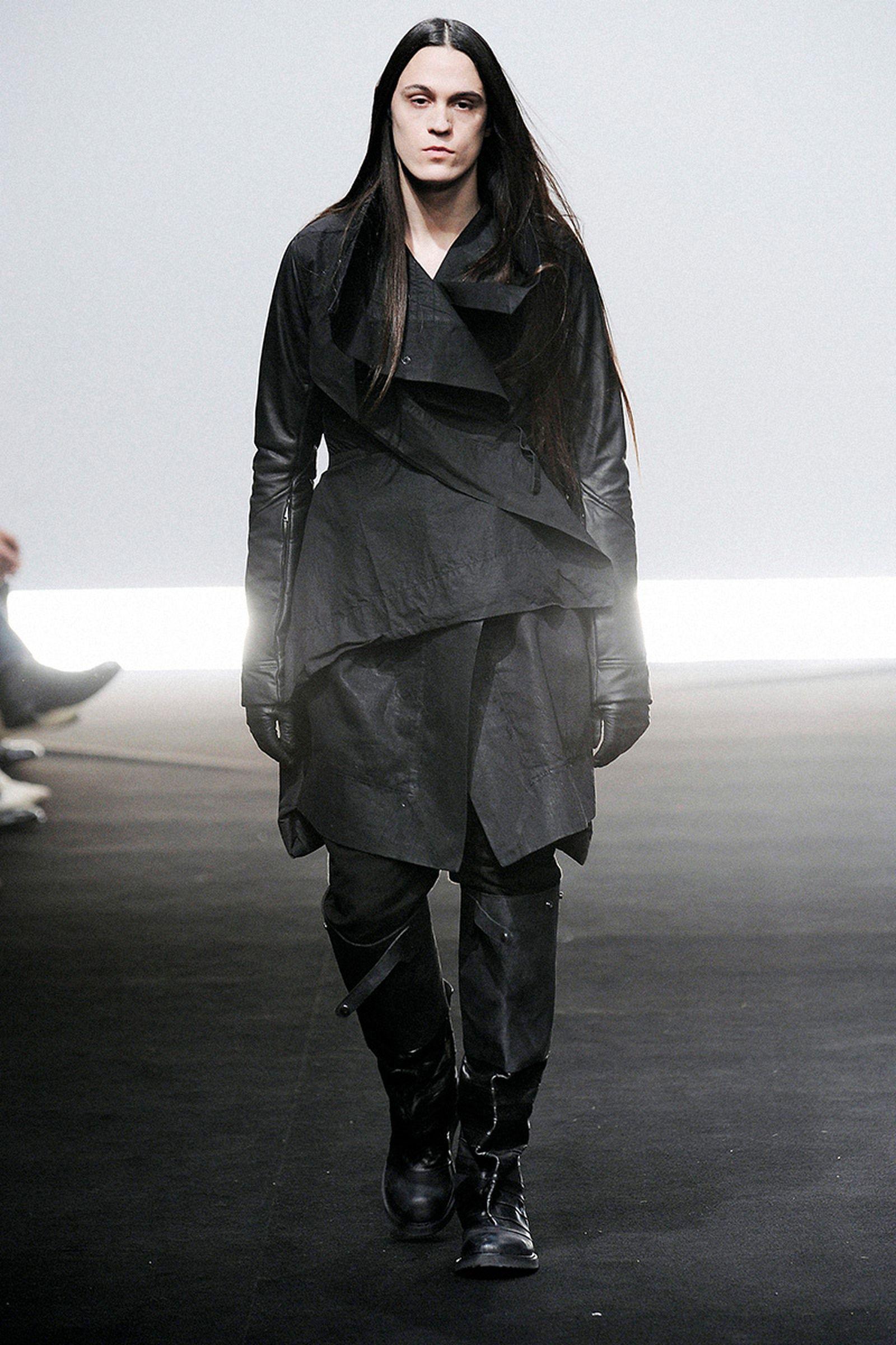 the-12-fashion-shows-that-changed-mens-fashion-rick-owens-03