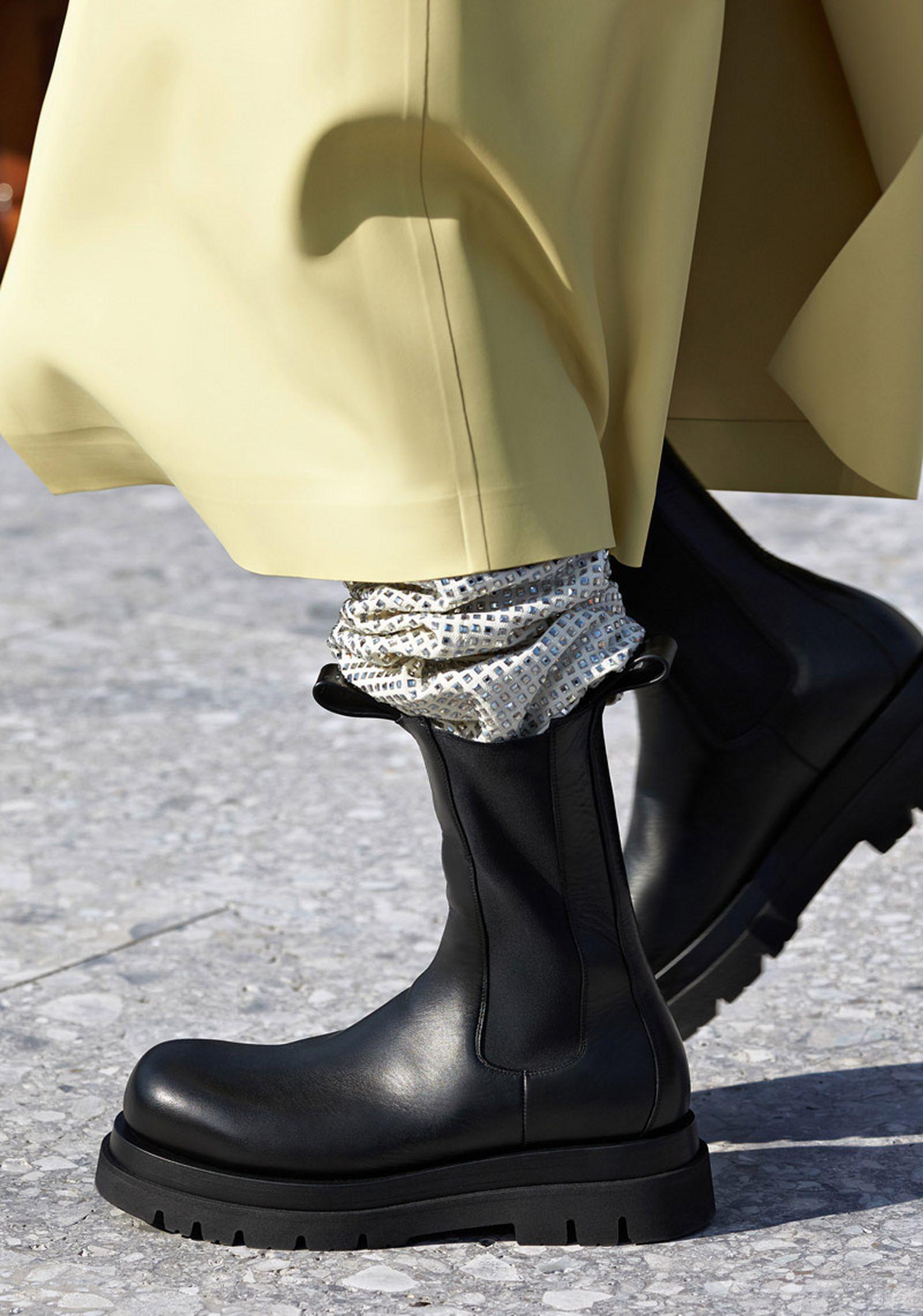 bottega-veneta-is-bringing-timeless-luxury-back-to-fashion-19