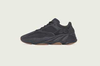 official photos 7ead0 b5786 adidas YEEZY Boost 700