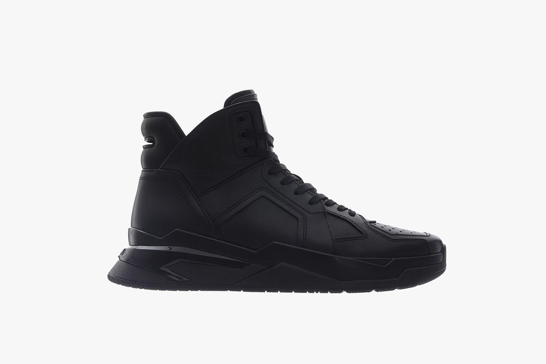 Sneaker B Ball