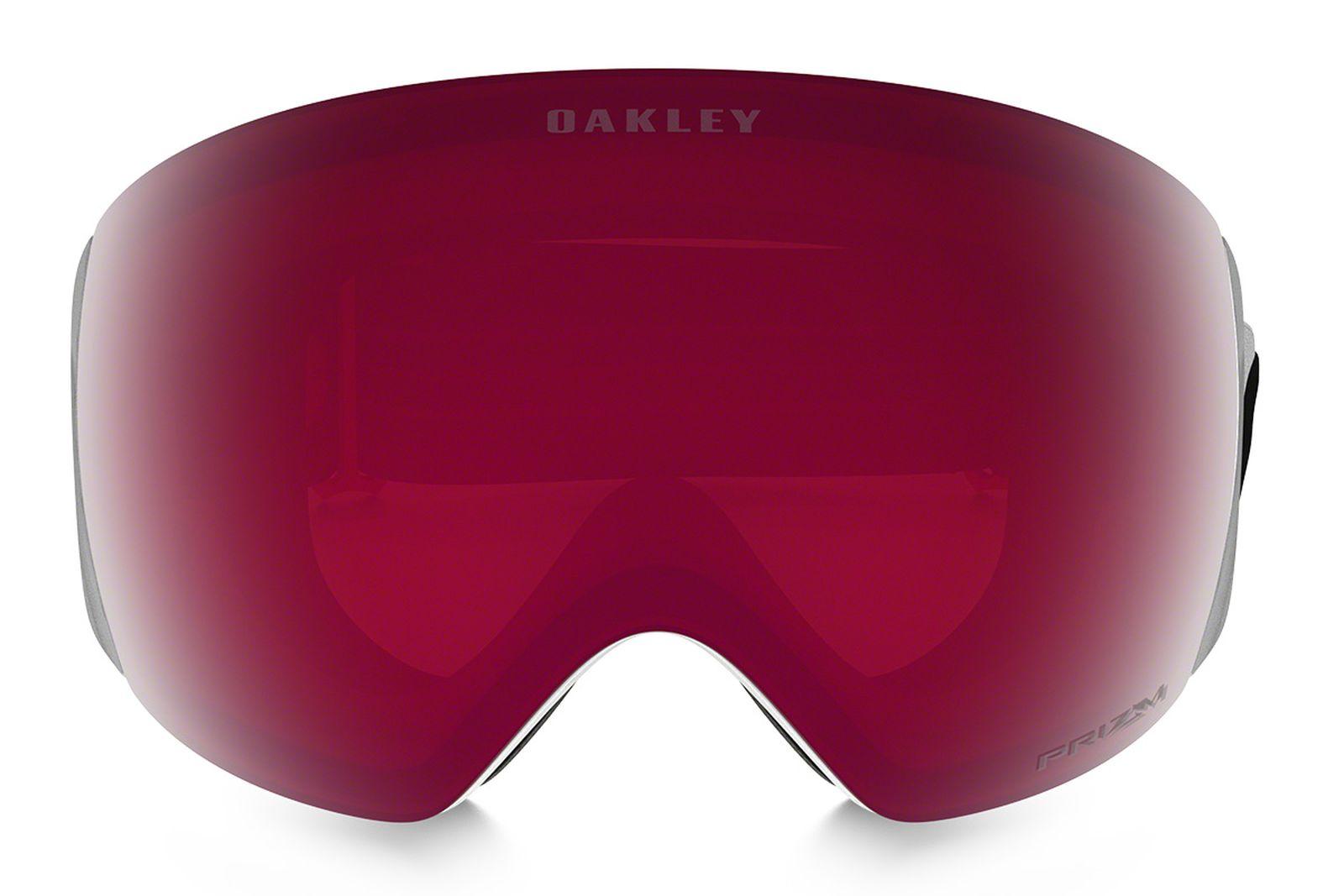 la-clarté-historique-oakleys-lens-tech-keeps-get-sharper-10