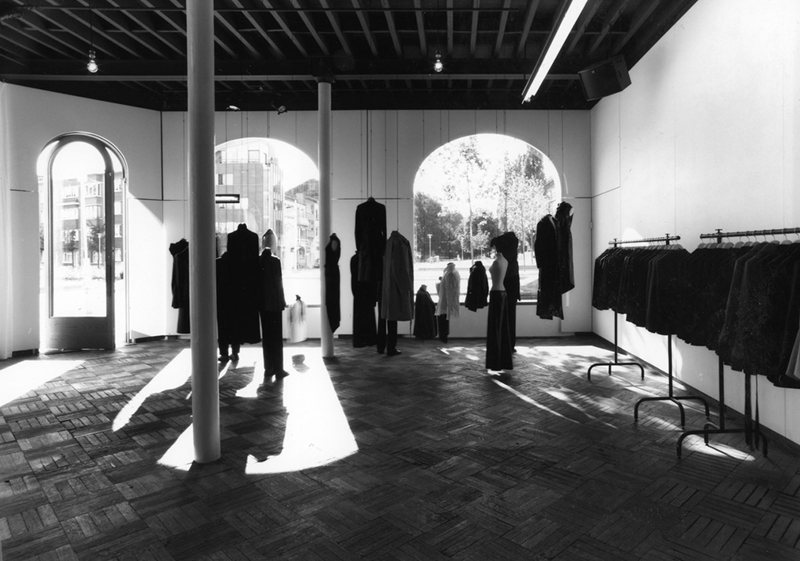 game-changers-best-store-interiors-changed-fashion-ann-demeulemeester-00