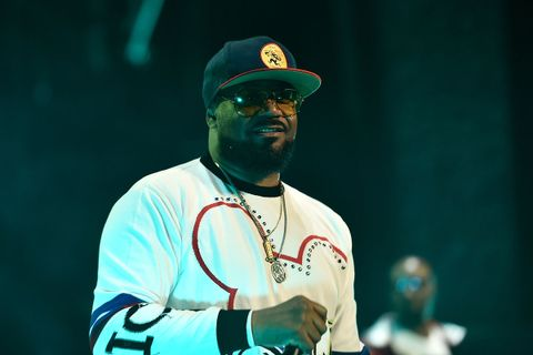 ghostface kills performs white sweater shades cap