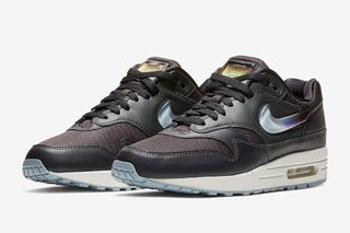 timeless design 33868 acc1b The Air Max 1 Is Getting an Oversized Jewel Swoosh