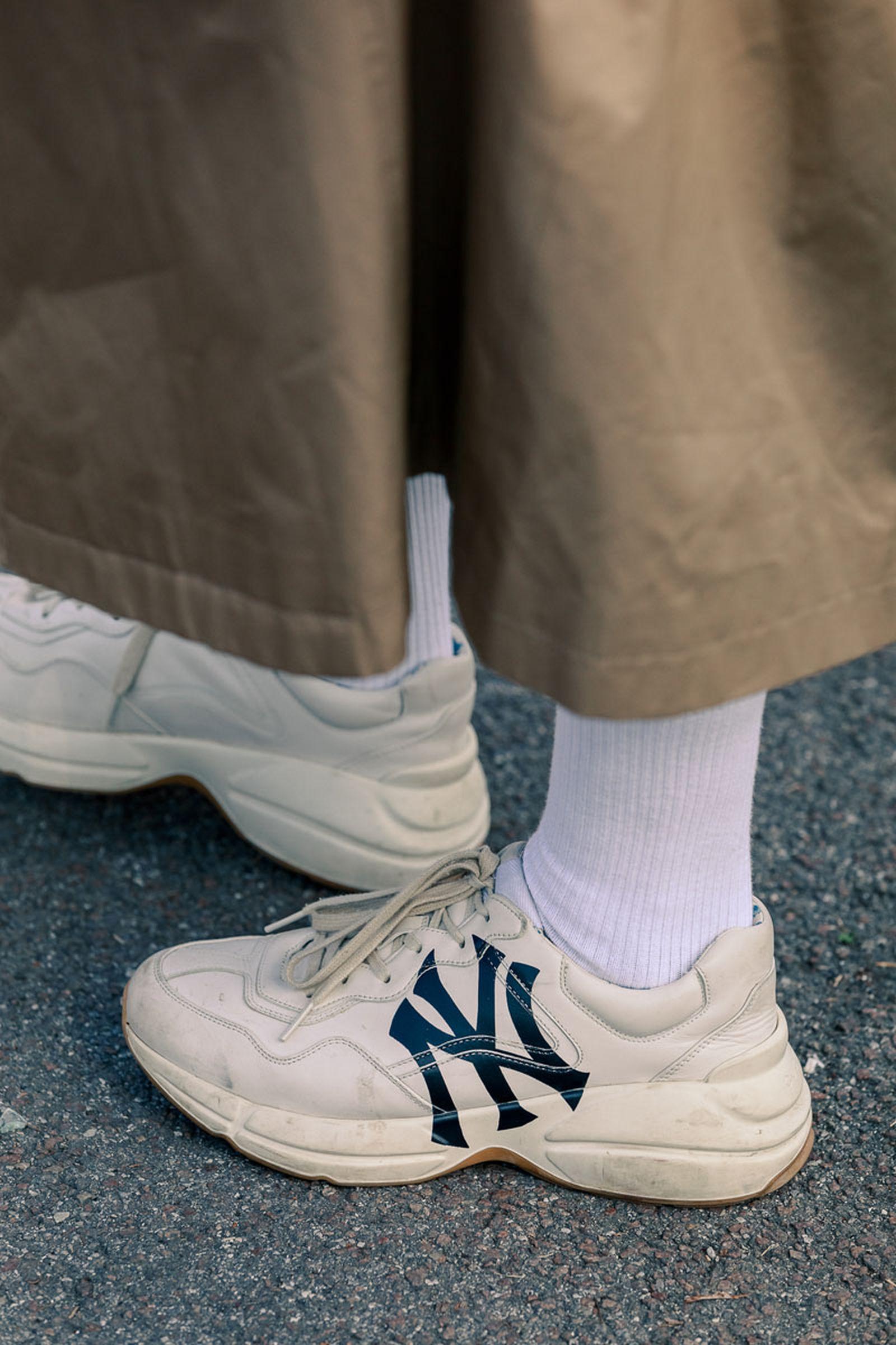 milan-fw20-sneaker-streetstyle-20