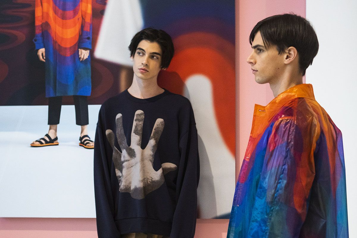 Dries Van Noten Uses Verner Panton's Designs on SS19 Menswear
