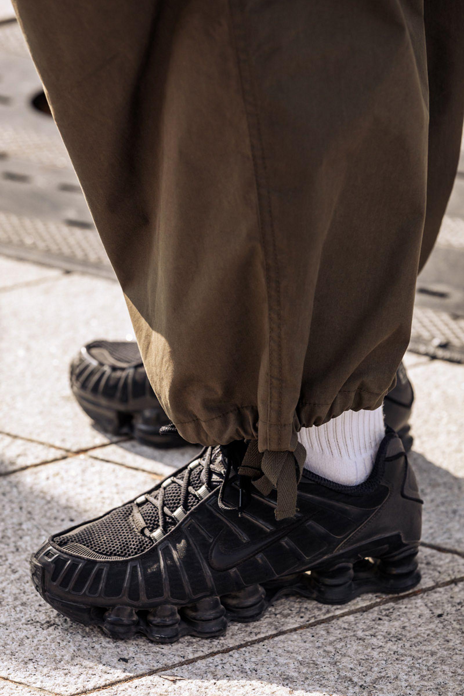 seoul-fashion-week-sneaker-street-style-ss20-2
