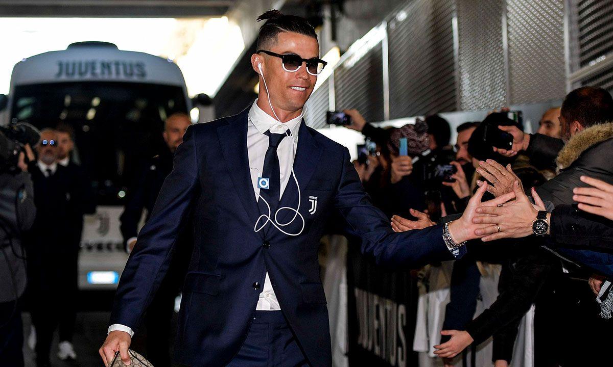 Cristiano Ronaldo Used A 2010 Ipod Shuffle People Are Loving It