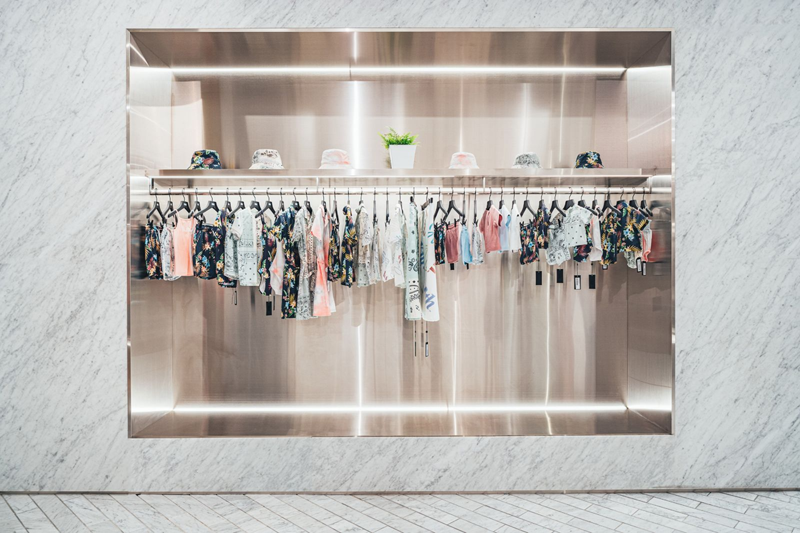 kith-hawaii-store-inside-air-force-1 (7)