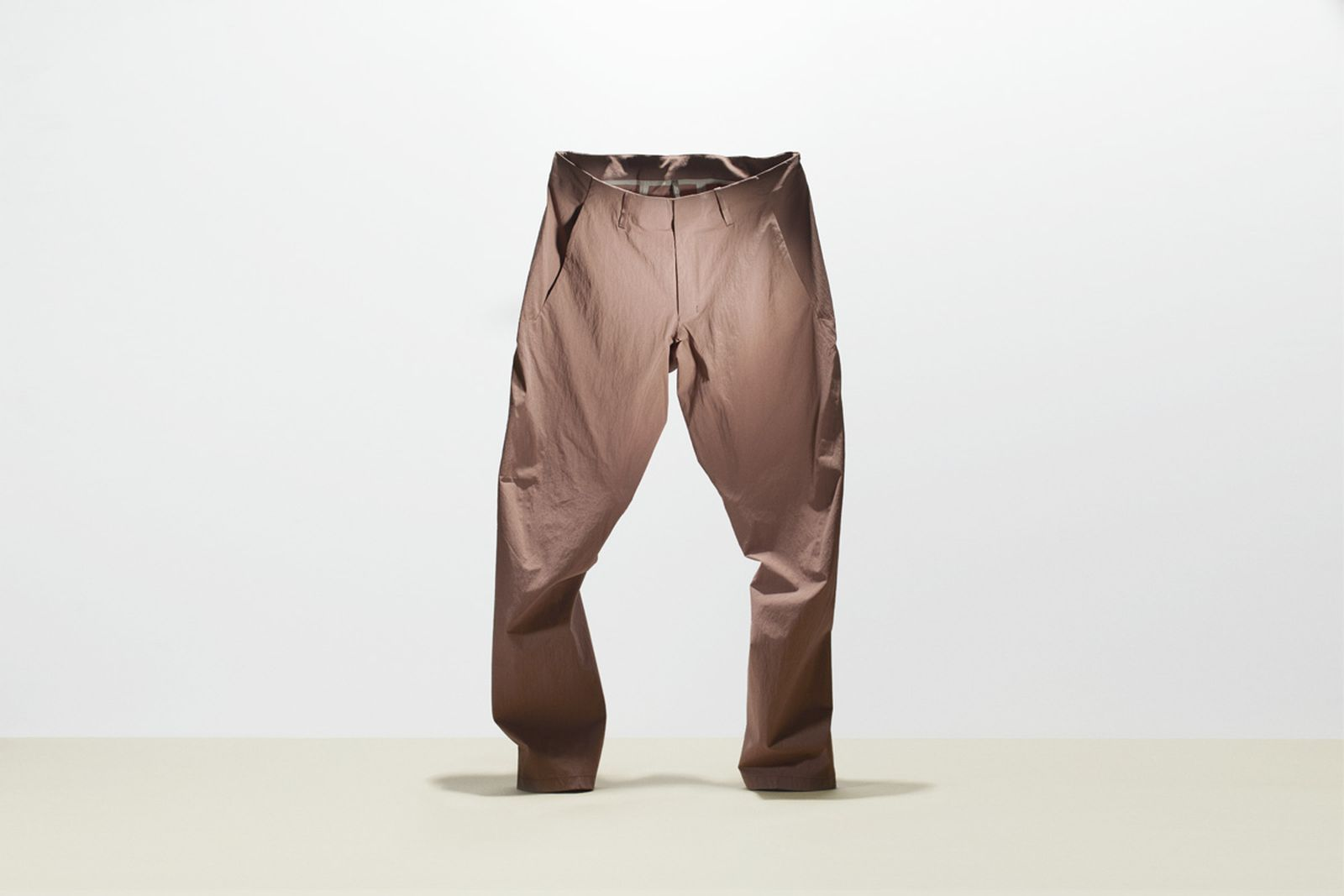 tested-5-coolest-outdoors-pants-ARC_TERYX