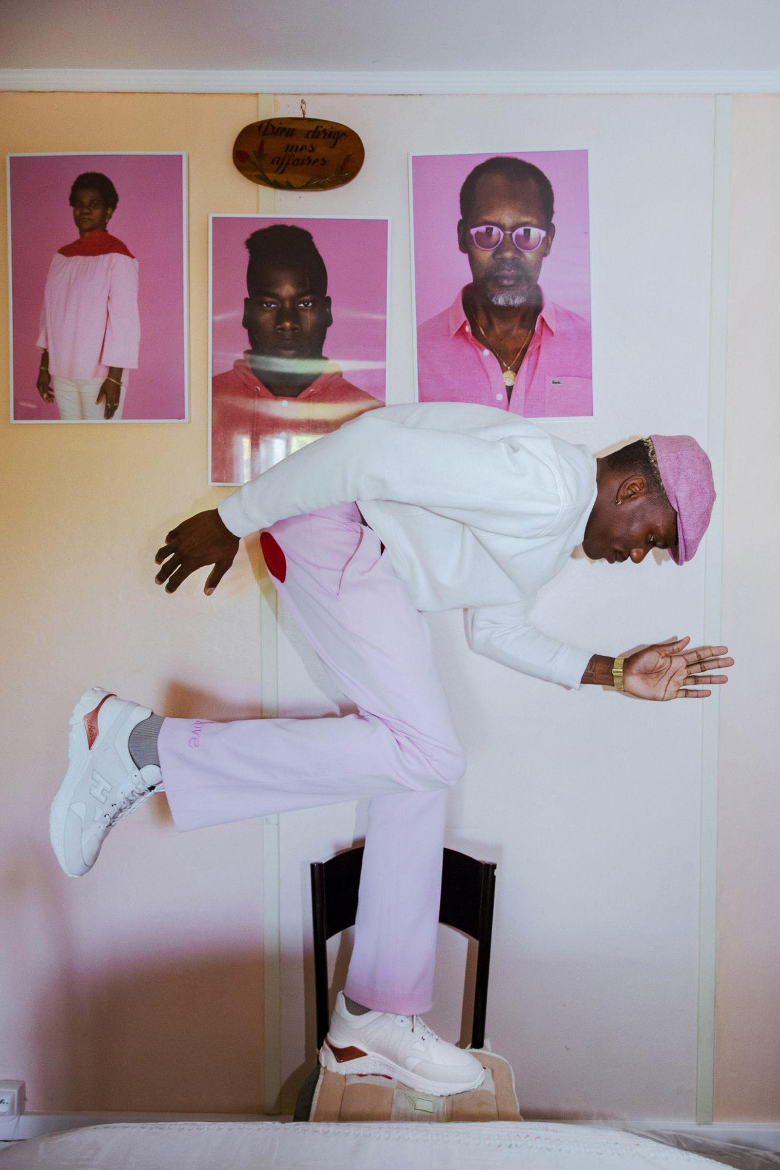 gogo-lupin-hogan-sneaker-pink-paris-07