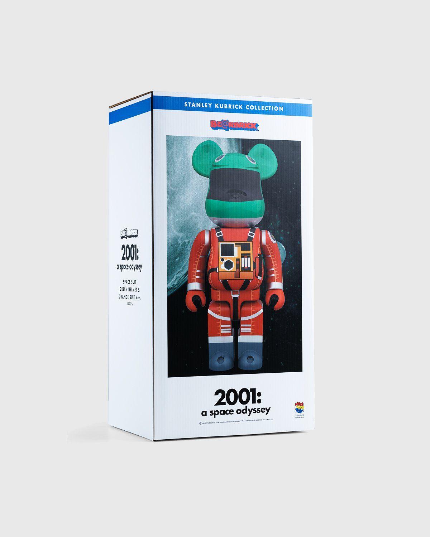 Medicom Be@rbrick – Space Suit Green Helmet & Orange Suit 1000% - Image 7