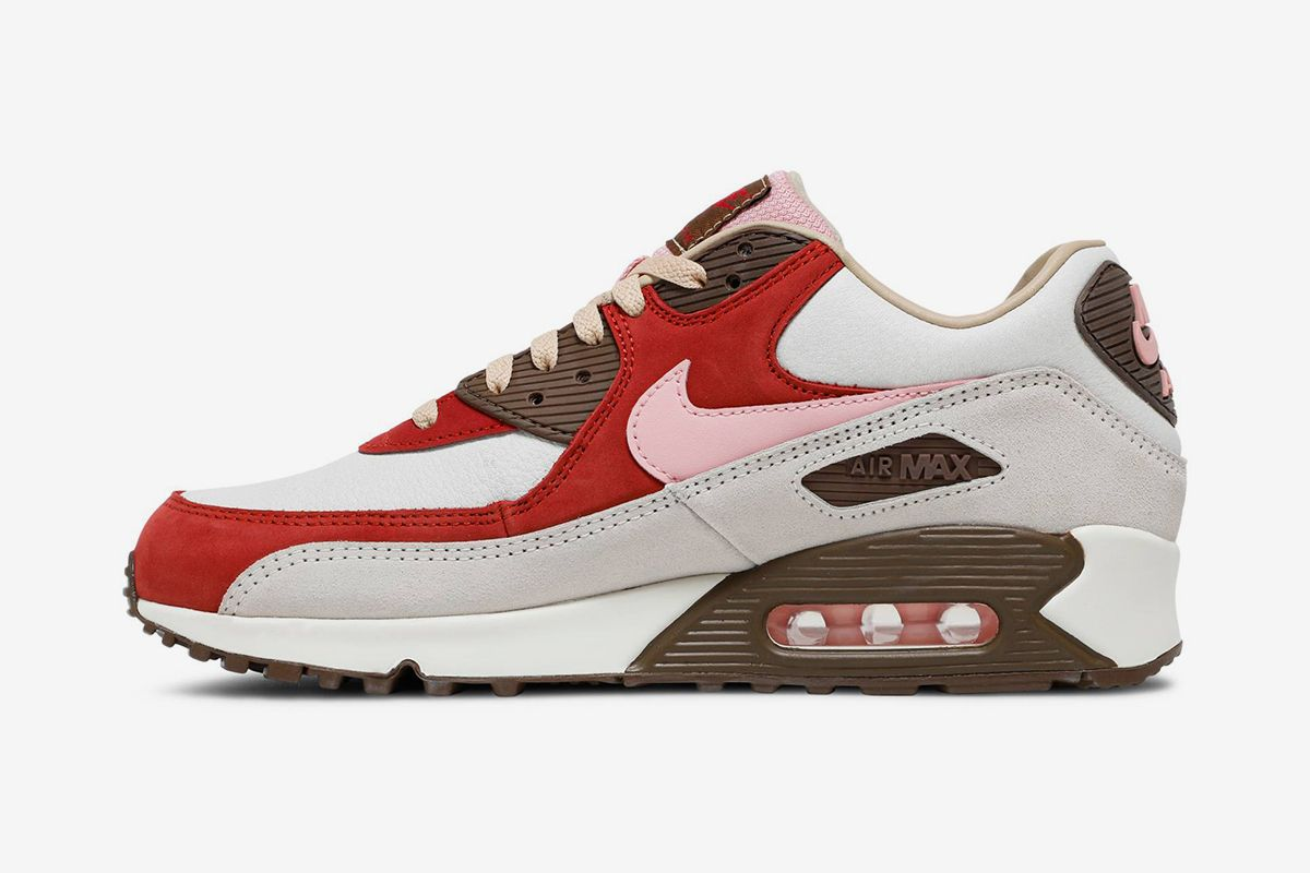 """Nike Air Max 90 """"Bacon"""" Is Finally Returning & Other Sneaker News Worth a Read 55"""